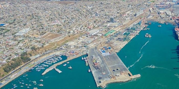 CAMPORT y la Armada conforman mesa de trabajo para revisar los criterios de cierres portuarios